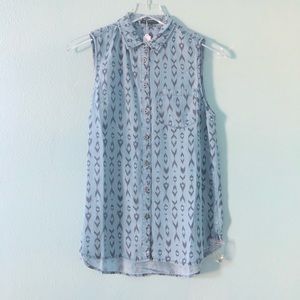 Boutique | denim chambray sleeveless patterned top